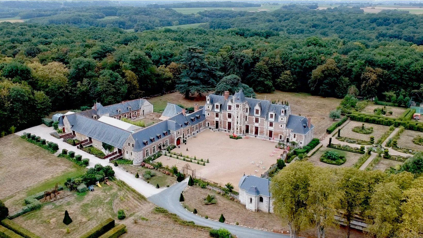 Château de Jallanges vu du ciel
