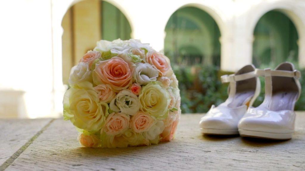 Bouquet de mariée et chaussures