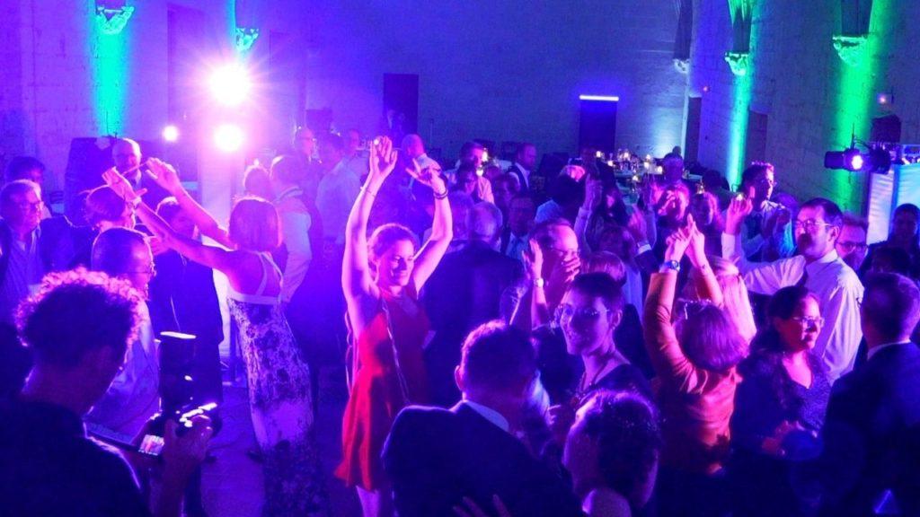 Soirée dansante, party, fête